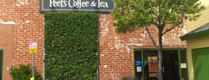 Peet's Coffee & Tea is one of Gespeicherte Orte von Chuck.