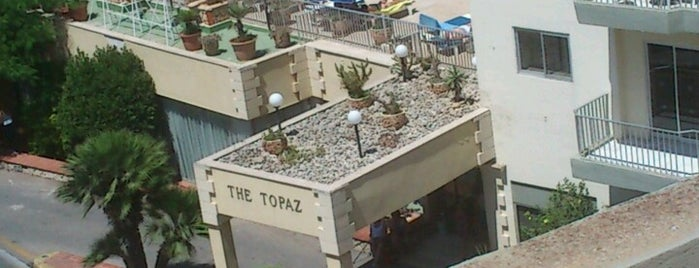 Topaz Hotel is one of Locais curtidos por Tomek.