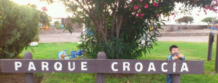 Parque Croacia is one of Tempat yang Disukai Luis.