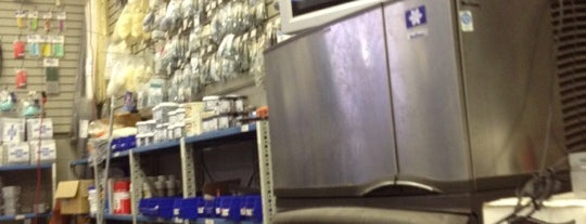 United Refrigeration Brooklyn is one of Lieux qui ont plu à phil.