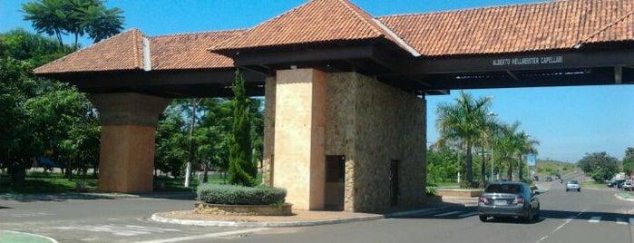 Portal São Pedro is one of Posti che sono piaciuti a João Paulo.