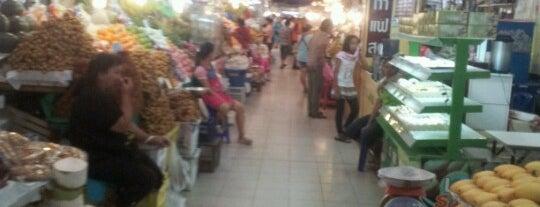 Ying Charoen Market is one of darunee 🌸 님이 좋아한 장소.