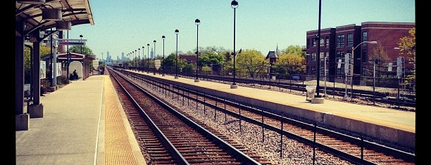 Metra - Oak Park is one of Favorites!. :).