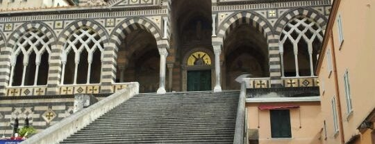 Cattedrale di Amalfi - Chiostro del Paradiso is one of สถานที่ที่ Friedrich ถูกใจ.
