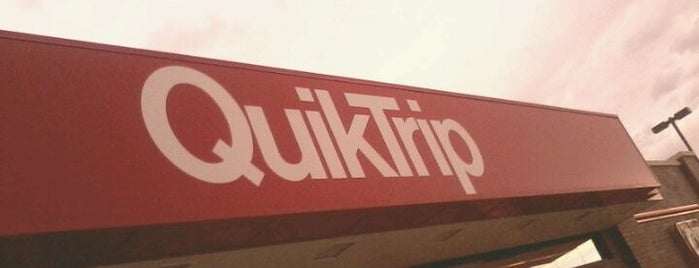 QuikTrip is one of Ashley 님이 좋아한 장소.