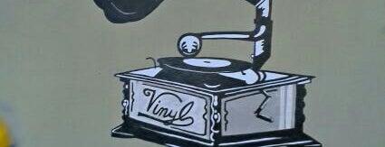 Vinyl is one of COME UNA HAMBURGUESA EN IBIZA.