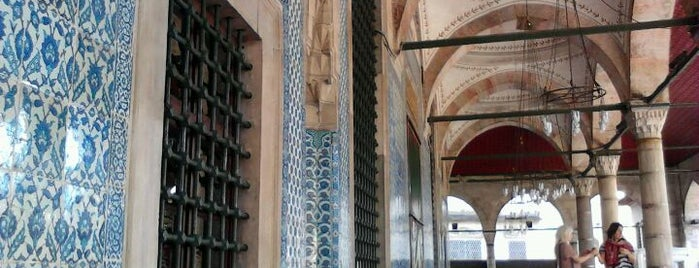 Rüstem Paşa Camii is one of Photo Locations Worth Going Back.