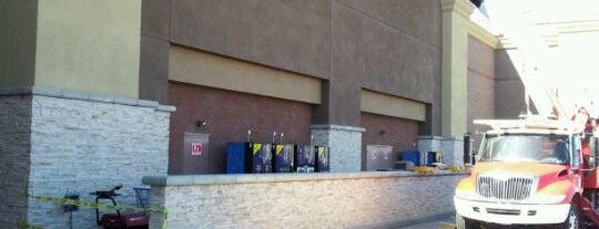 Walmart Supercenter is one of Tempat yang Disukai Alberta.