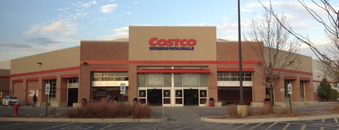 Costco Wholesale is one of Tempat yang Disukai Mark.