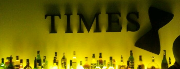Times Pub is one of Lugares favoritos de Humeyra.