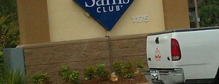 Sam's Club is one of Locais curtidos por Sarah.