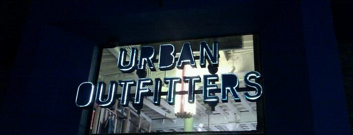 Urban Outfitters is one of Ramiroさんの保存済みスポット.
