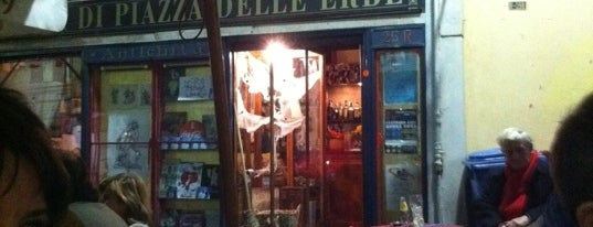 Libreria di Piazza Delle Erbe is one of How to survive (and fall in love with) Genova. <3.