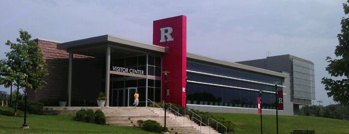 Rutgers Visitor Center is one of Orte, die Mike gefallen.