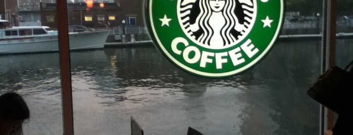 Starbucks is one of สถานที่ที่ Ajay ถูกใจ.