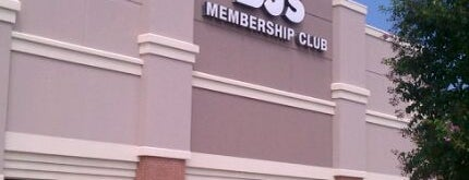 BJ's Wholesale Club is one of Locais curtidos por Schaccoa.