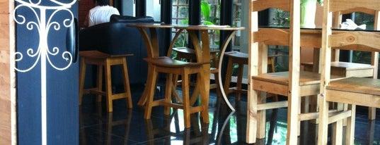 Square House Coffee & Bakery is one of ขอนแก่น, ชัยภูมิ, หนองบัวลำภู, เลย.