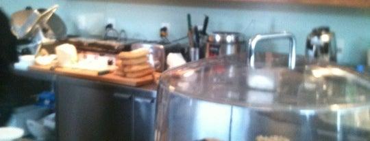 Café Larue & Fils is one of Orte, die Philippe gefallen.