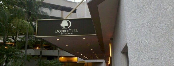 DoubleTree by Hilton is one of Orte, die Heath gefallen.