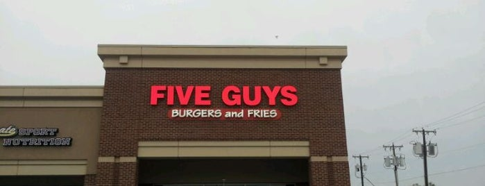 Five Guys is one of Lugares favoritos de Wade.