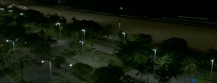 Praia da Aparecida is one of Beaches in Santos.