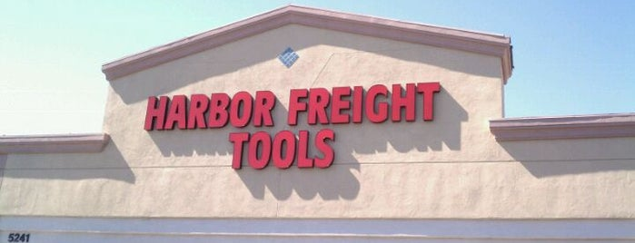 Harbor Freight Tools is one of Tyler 님이 좋아한 장소.