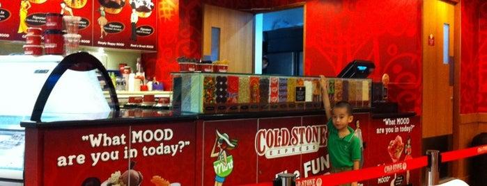 Cold Stone Creamery is one of Tempat yang Disukai Natasha.
