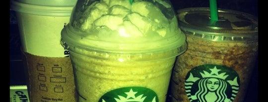 Starbucks is one of Orte, die Adrienne gefallen.