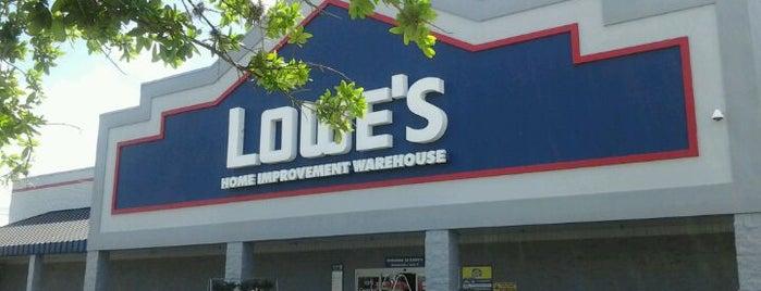 Lowe's is one of สถานที่ที่ Bev ถูกใจ.