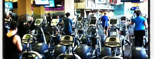 24 Hour Fitness is one of สถานที่ที่ Wendy ถูกใจ.