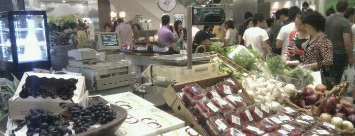 David Jones Food Hall is one of Australia - Sydney.
