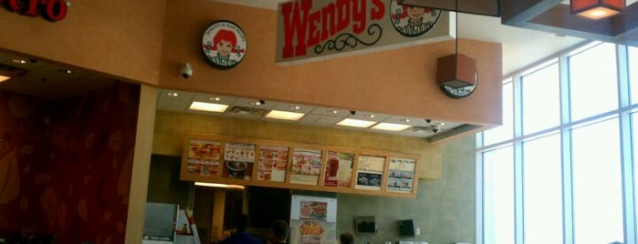 Wendy's is one of Lieux qui ont plu à Oscar.