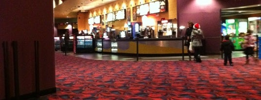AMC Showplace Manteca 16 is one of Junneさんのお気に入りスポット.