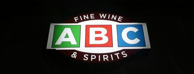 ABC Fine Wine & Spirits is one of Stephanieさんのお気に入りスポット.