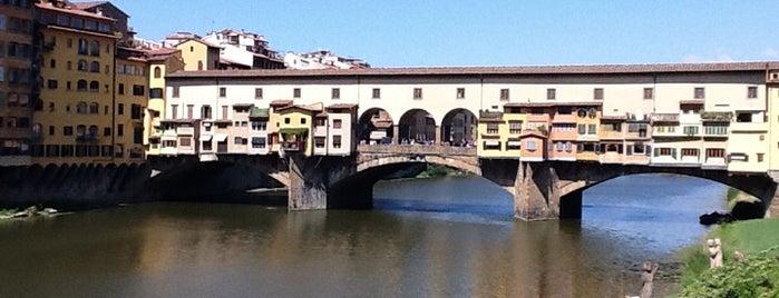 Ponte Vecchio is one of Floransa.