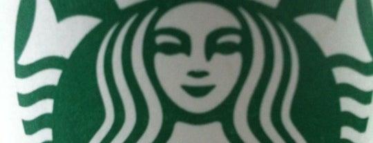 Starbucks is one of Lugares favoritos de Diana.