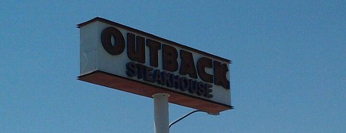 Outback Steakhouse is one of Locais salvos de Thomas.
