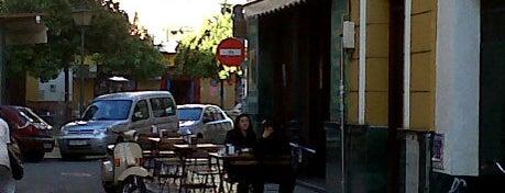 Los Claveles is one of Comer de tapas por Sevilla - Best tapas in Seville.