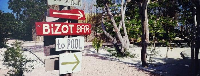 Goldeneye Resort is one of Fora do Brasil.