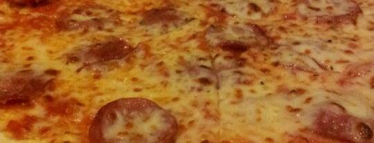 Pizza Al Reef is one of สถานที่ที่ Leen ถูกใจ.
