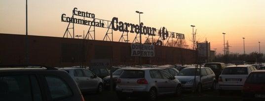 Carrefour is one of Locais curtidos por Geraldine  🤡😻😆💋👋.