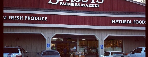 Sprouts Farmers Market is one of Locais curtidos por Kaitlyn.