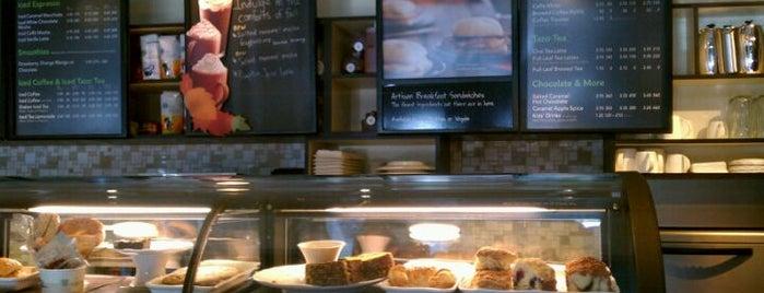 Starbucks is one of Lugares favoritos de Ashley.