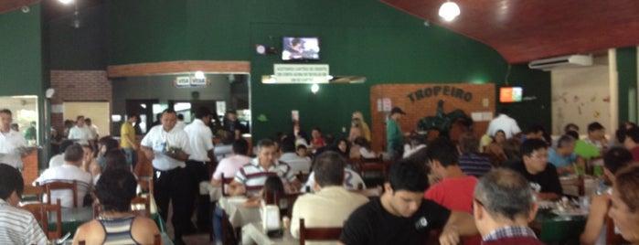 Restaurante Tropeiro is one of สถานที่ที่บันทึกไว้ของ Erika.
