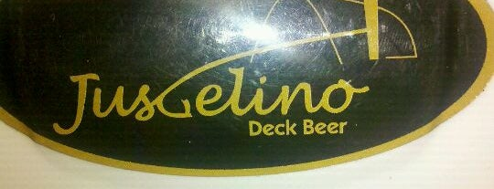 Juscelino Deck Beer is one of Alessandra 님이 저장한 장소.