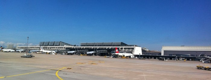 Stuttgart Manfred Rommel Airport (STR) is one of Airports in Europe, Africa and Middle East.