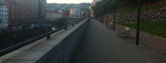 Ubideen Ibiltokia / Paseo De Los Caños is one of Bilbao.