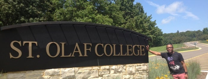 St Olaf College is one of Tempat yang Disukai Aaron.