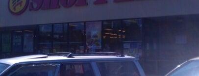 Shoppers is one of สถานที่ที่ Kim ถูกใจ.