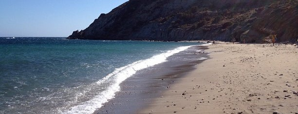 Kalogeros Beach is one of Παρος.